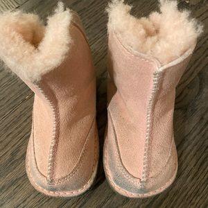 Darling Ugg pink boots!
